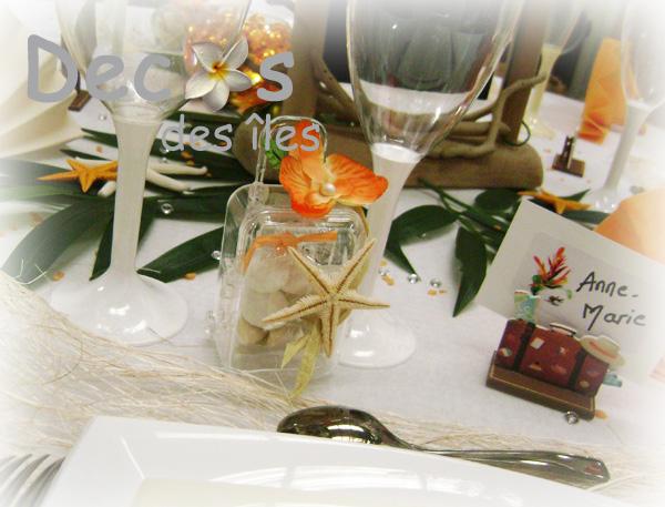 D coration mariage orange blanc exotique for Mariage theme bois flotte