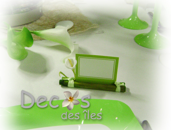D coration table arum nature pour un v nement chez soi for Decoration table porte nom