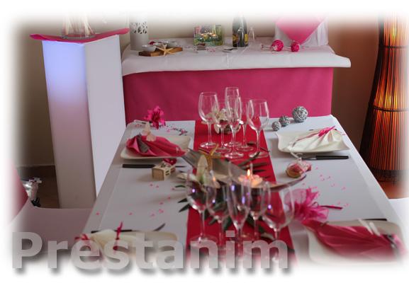 D coration tropical pour votre int rieur table deco mariage exotique tropicale - Enlever bougie sur nappe ...