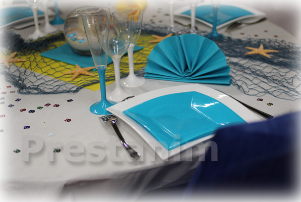 Decorations anniversaire 50 ans dans les les for Nappe centre de table